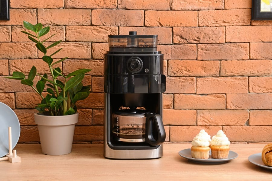 The 12 Best 4 Cup Coffee Makers 2020 - Compact Design And Easy Brew
